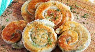 Вкусная закуска для пикника — лепешки с зеленью